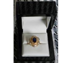 Art Deco prsteň Au brilianty cca 0,158 ct a Zafír 1,71 ct