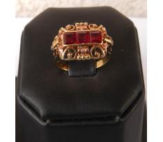 Au Dámsky prsteň s 3 synt.rubínmi