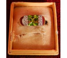 Au prsteň s Olivínom 1,85 ct a briliantmi 0,14 ct