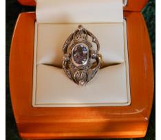 Dámsky zlatý prsteň Tanzanit 2,25 ct a brilianty 0,21 ct