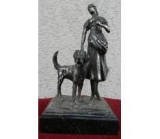 Kompozícia žena so psom Rakúsko liatý cín