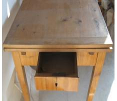 Stôl rozkladací v Biedermaierskom štýle