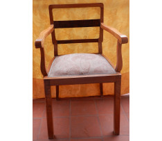 Stolička okolo roku 1920 drevená